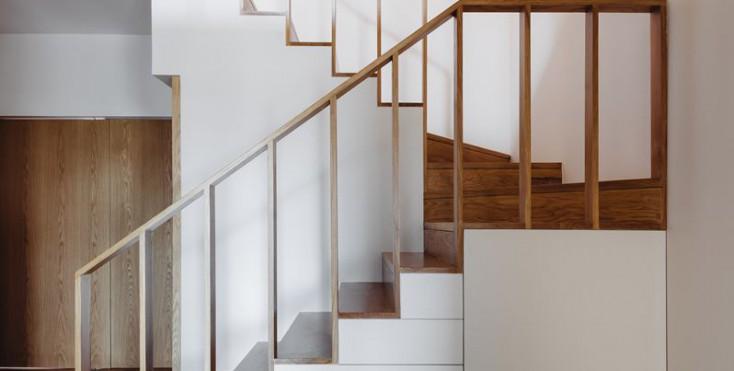 Un appartamento tra legno e luce for Prezzo della casa a 2 piani