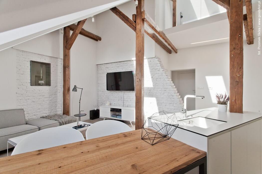 006-attic-renovation-dominika-trzci-1050x700