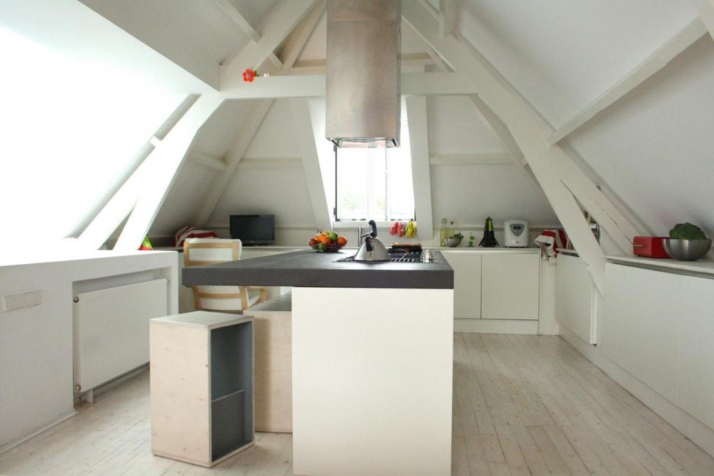 2by4-renovatie-nieuw-interieur-appartement_keuken-eiland-1024x683