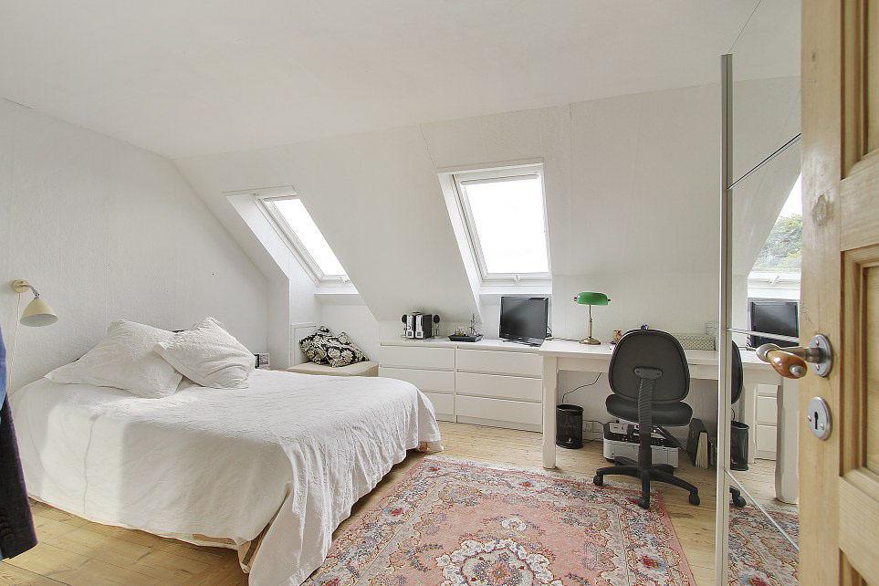 9 idee per una camera da letto tranquilla - Camera da letto sottotetto ...