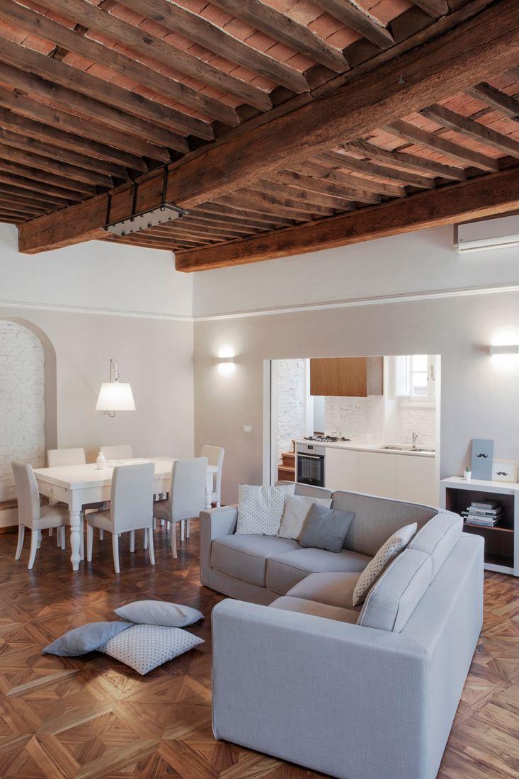 Estremamente Binomio legno-bianco per una mansarda a Lucca - Mansarda.it DN67