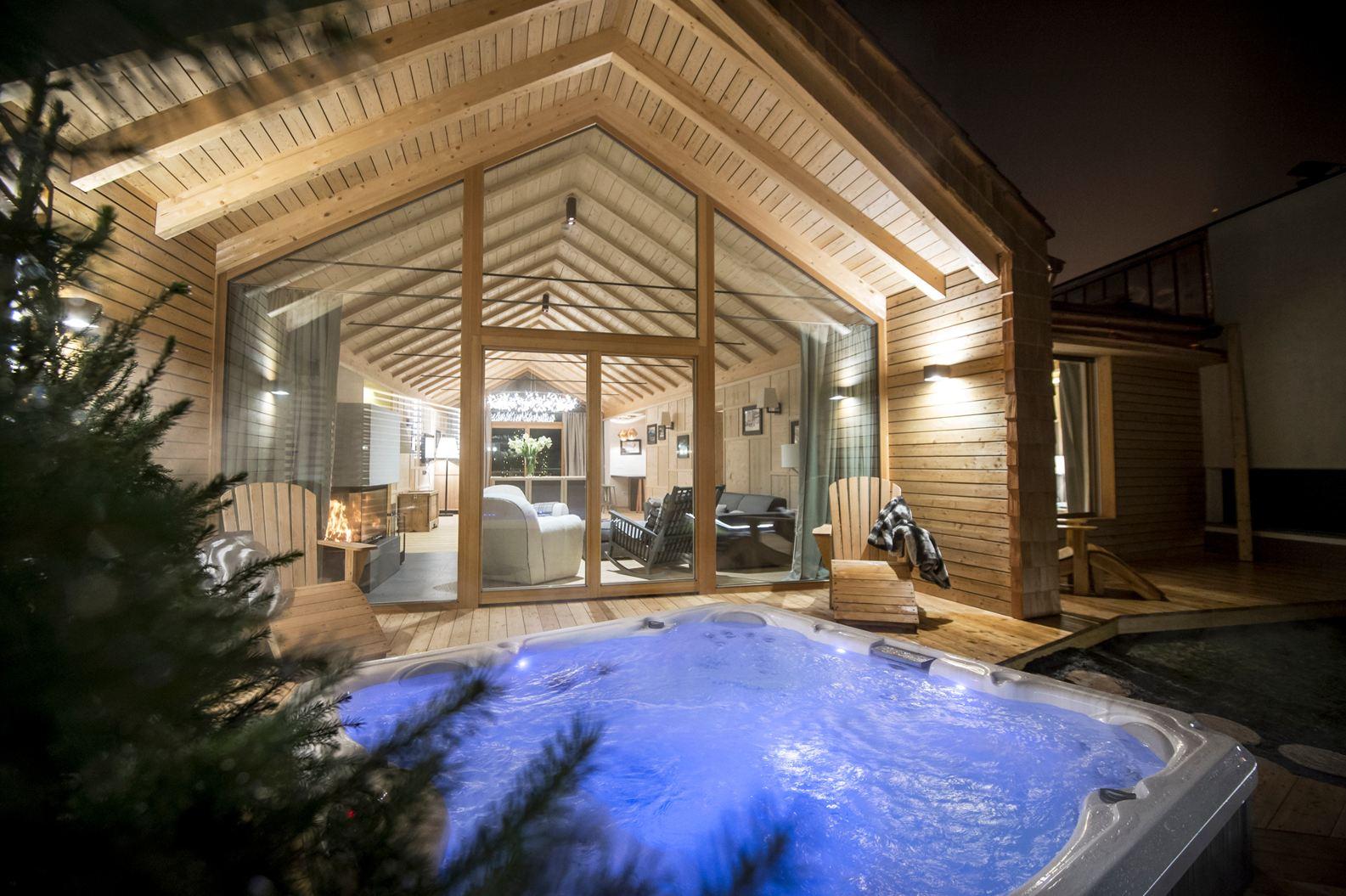 Uno chalet di montagna for Design di bungalow di lusso