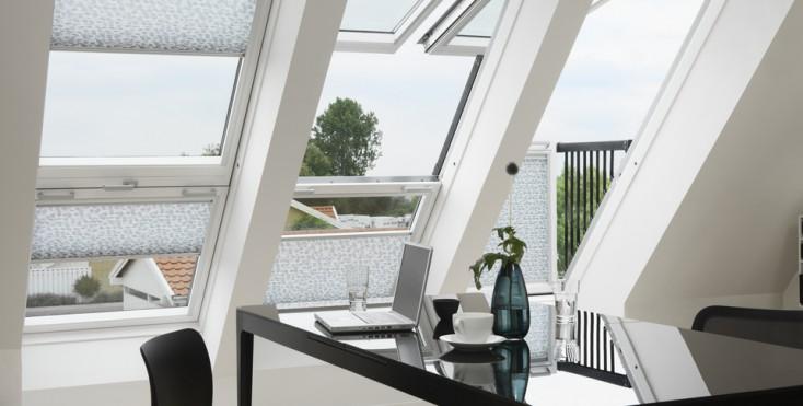 Balconi con finestre per tetti for Finestre x tetti