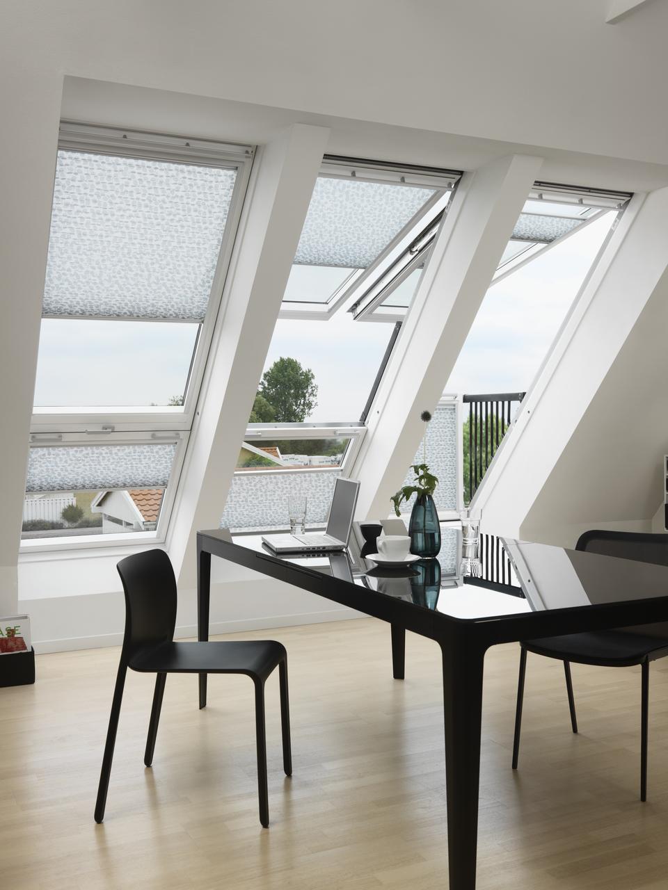 balconi con finestre per tetti