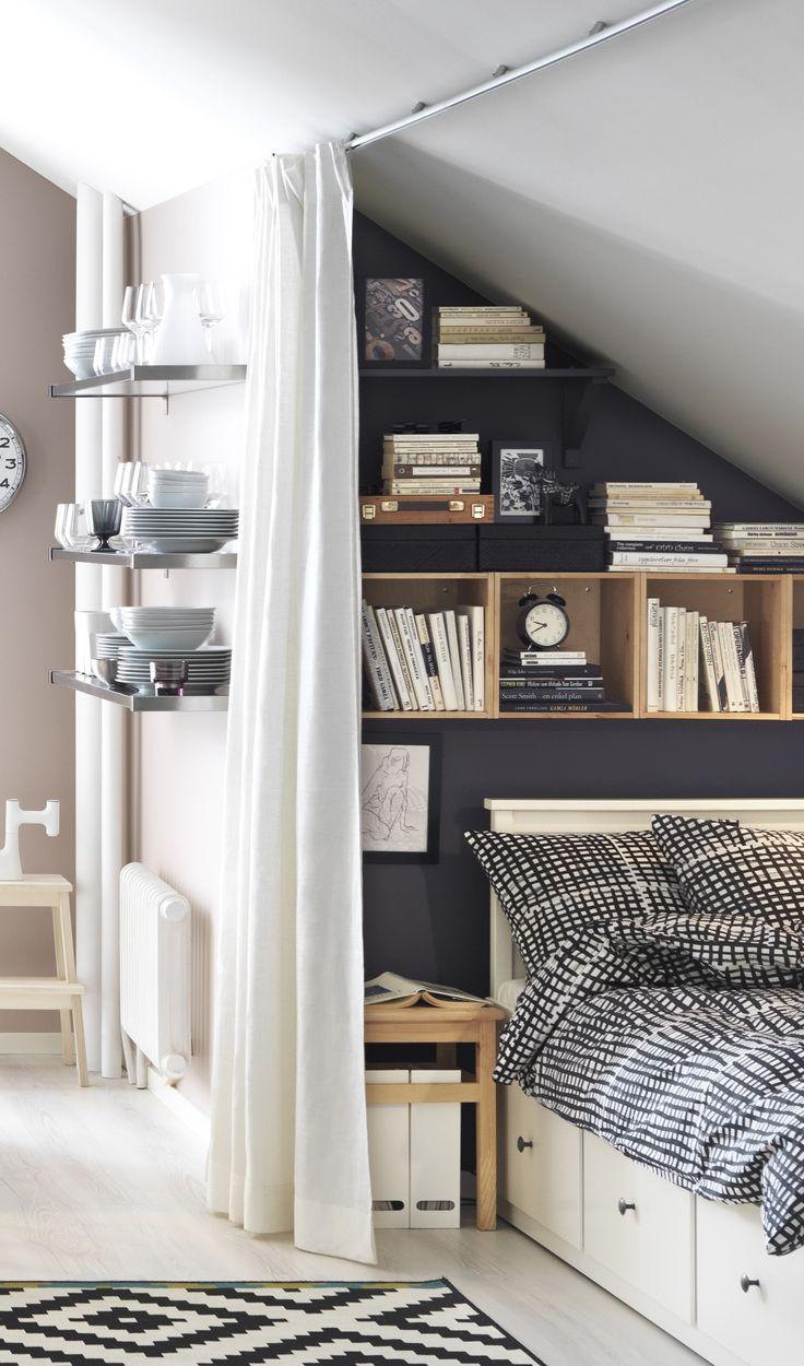 Una stanza per gli ospiti in mansarda for Letto per gli ospiti