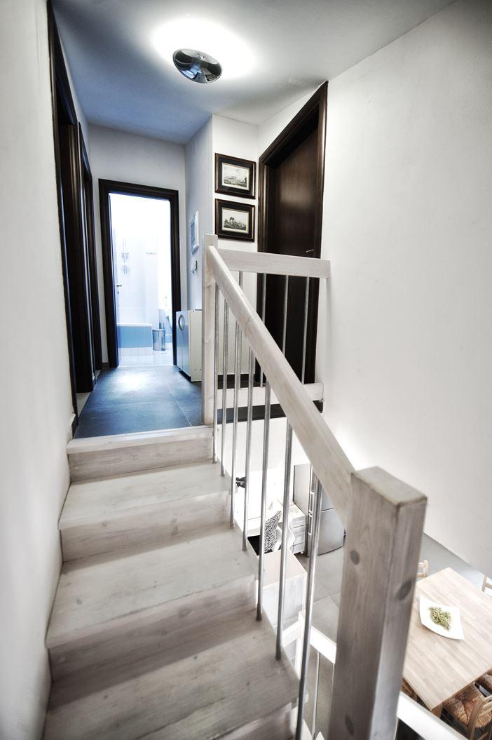 Un attico su due piani for 3 camere da letto 3 piani del bagno