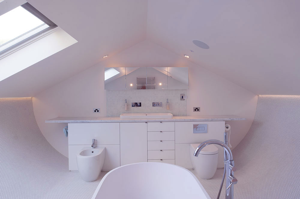 Modern-White-Attic-Bathroom-Design