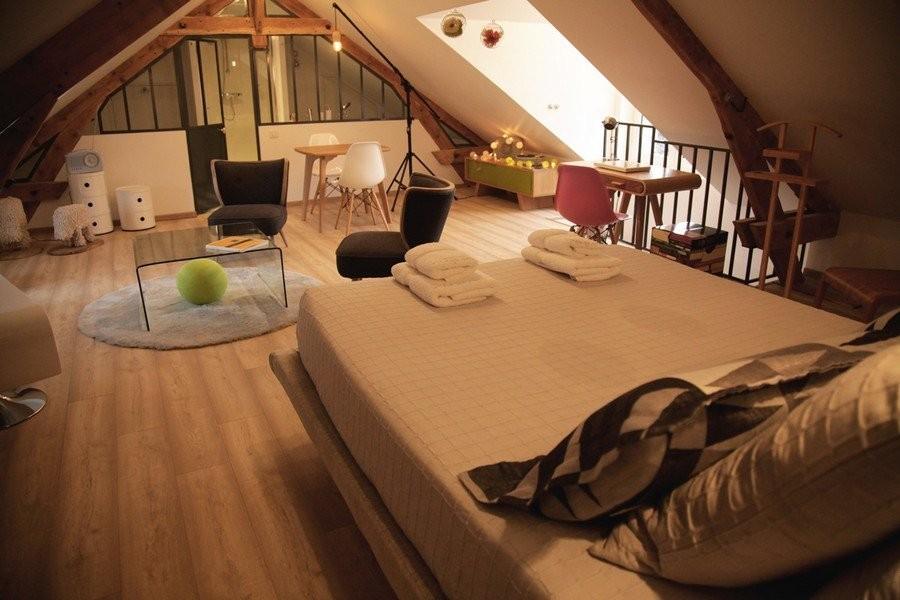Una stanza per gli ospiti in mansarda for Creare una stanza