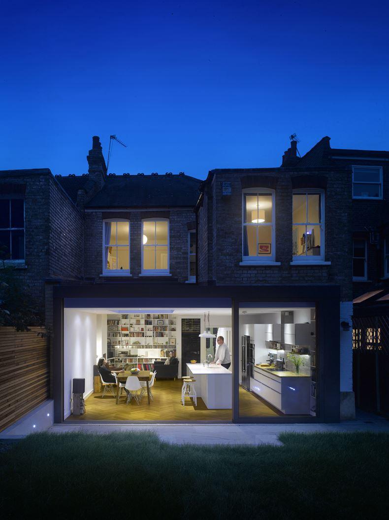 L 39 ampliamento di una casa a schiera su due livelli for Planimetrie della casa a schiera