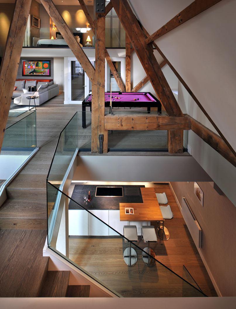 Una casa su tre piani con mansarda for Piani di casa con design loft