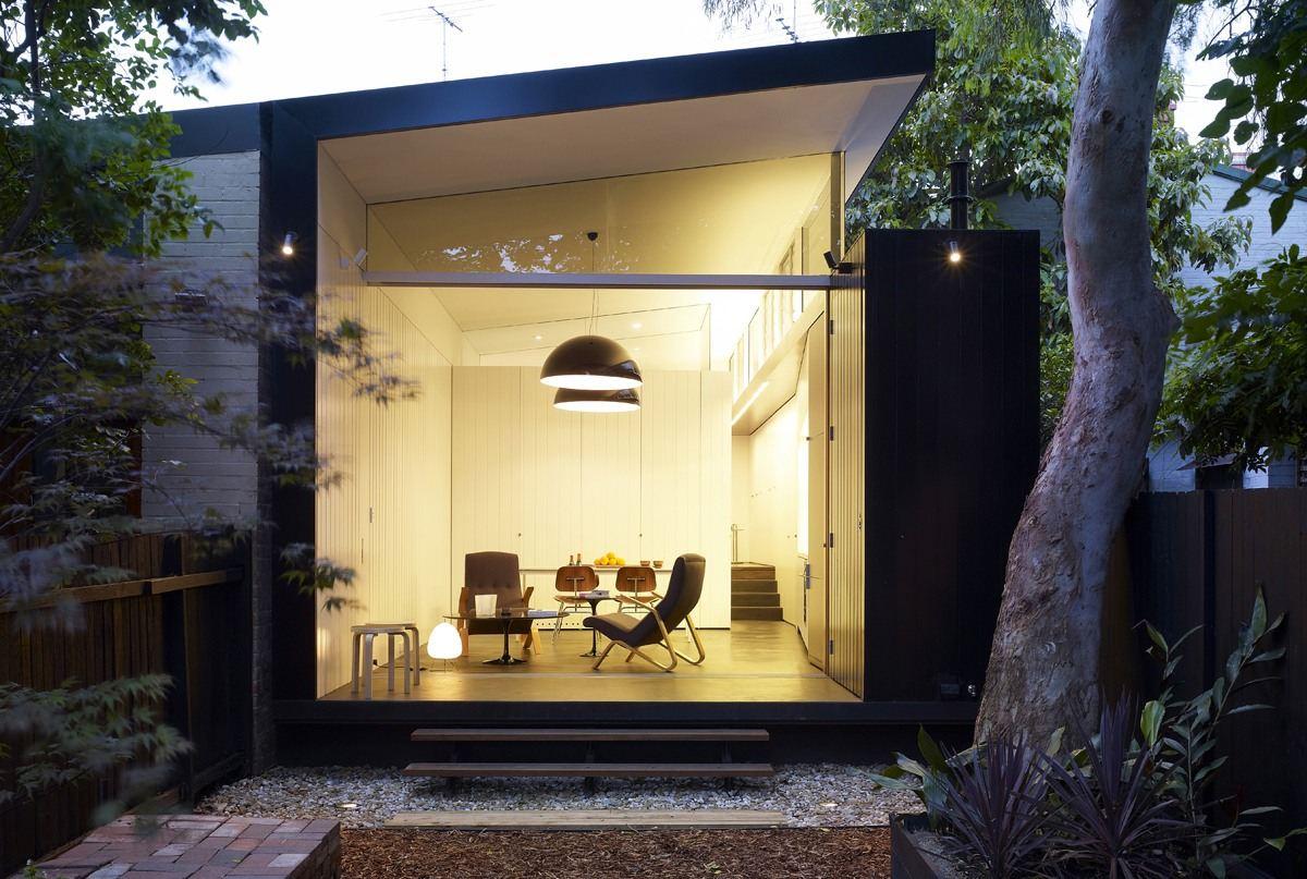 Un luminoso loft con giardino - Ingresso casa esterno ...