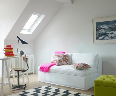 ... per la stanza che si trasforma da studio a stanza degli ospiti. ( sofa