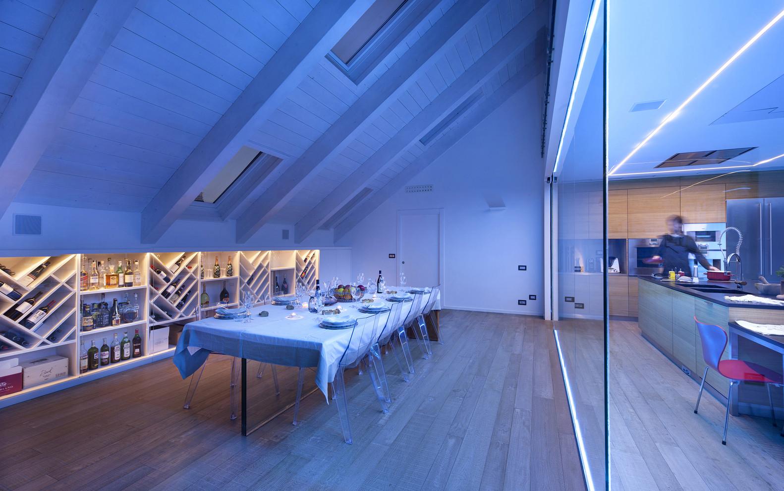 Una mansarda nel palazzo pi bello del mondo for Foto interno case belle