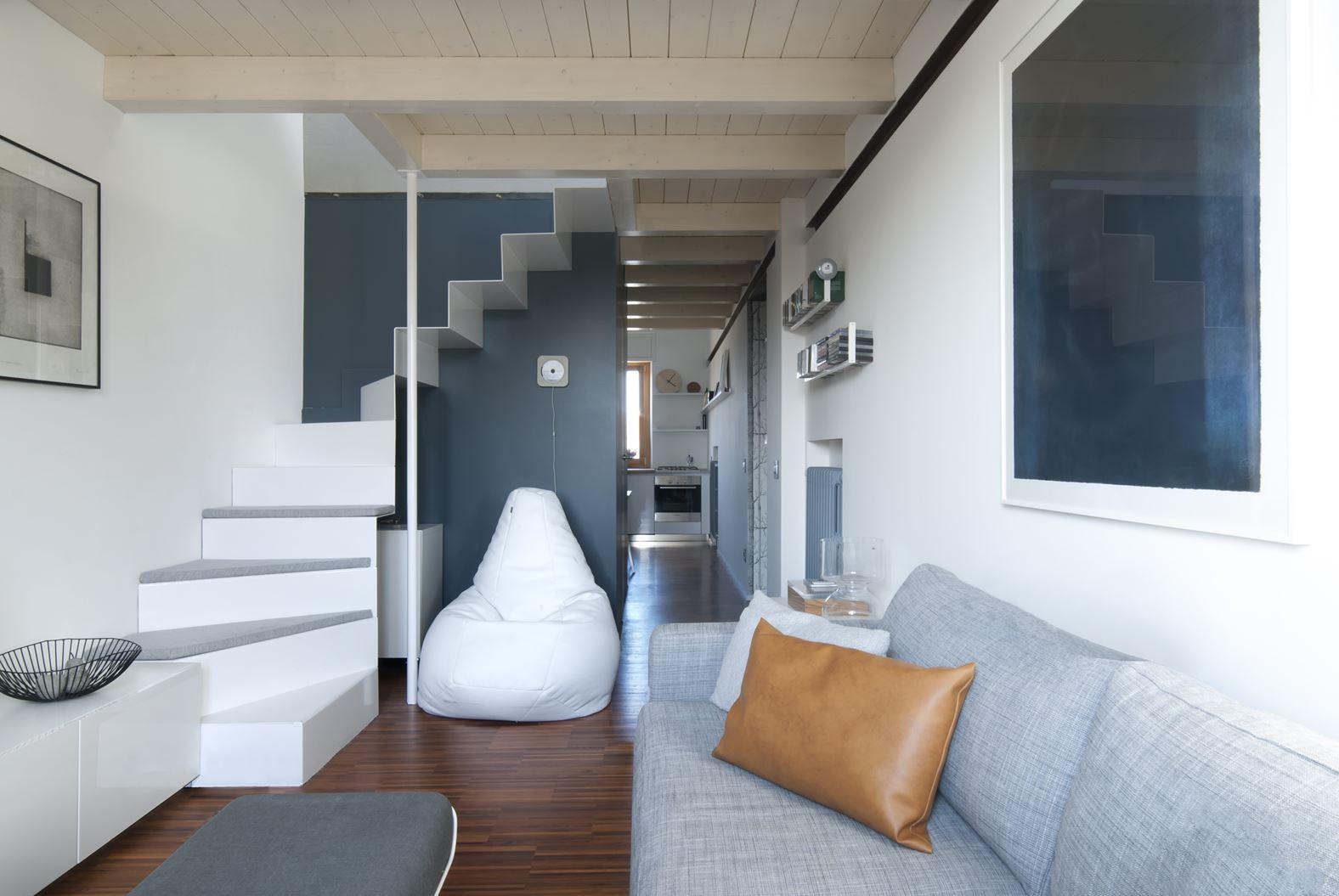 Un appartamento con studio in mansarda for Un appartamento