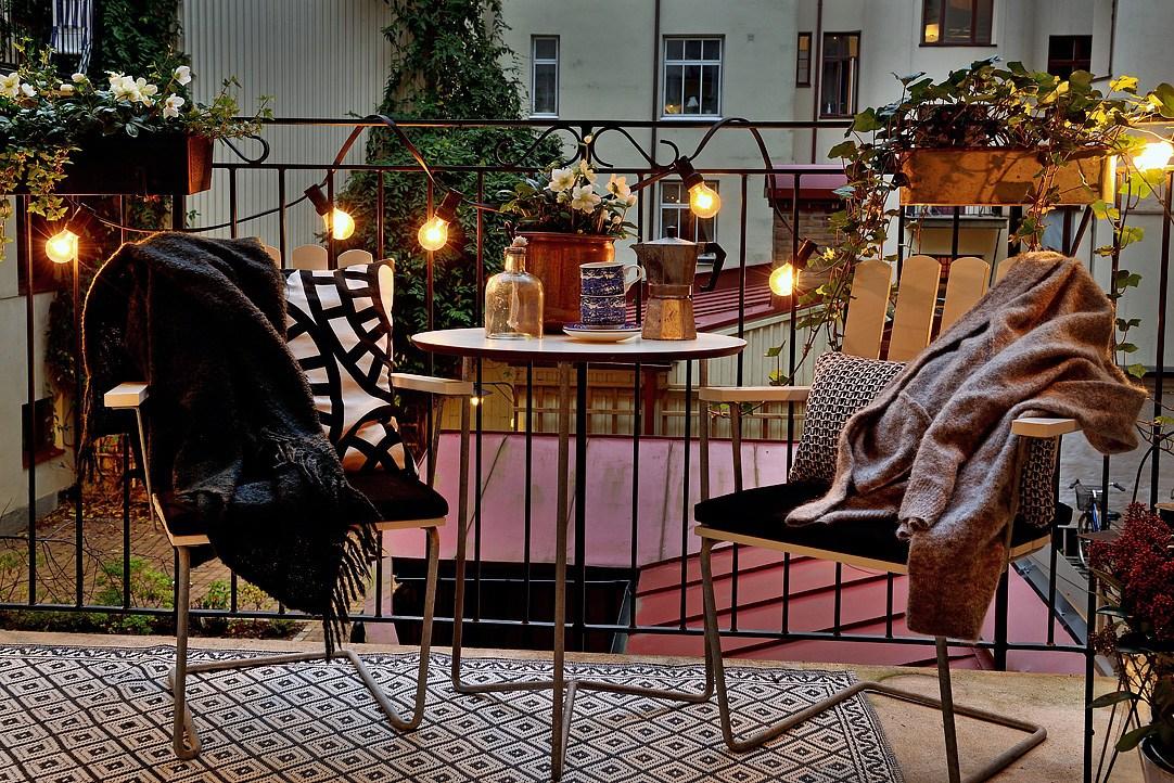 5 idee per decorare la mansarda a natale - Decorare le finestre per natale ...