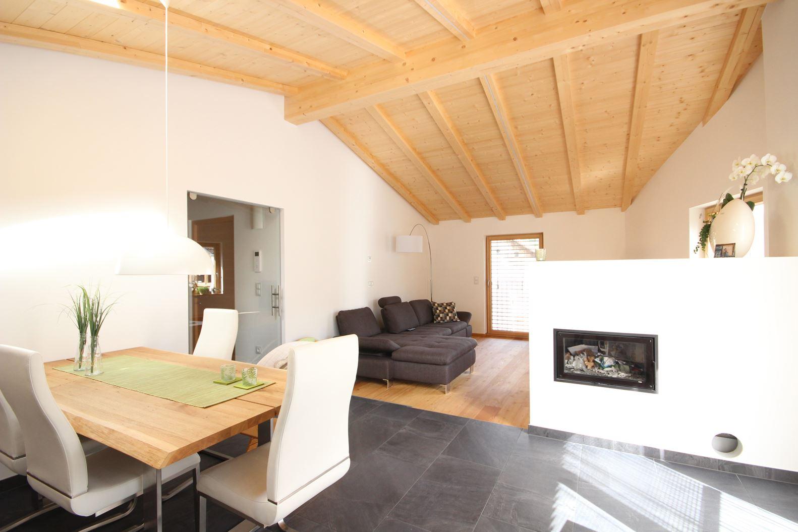 Open space - Illuminazione sottotetto legno ...