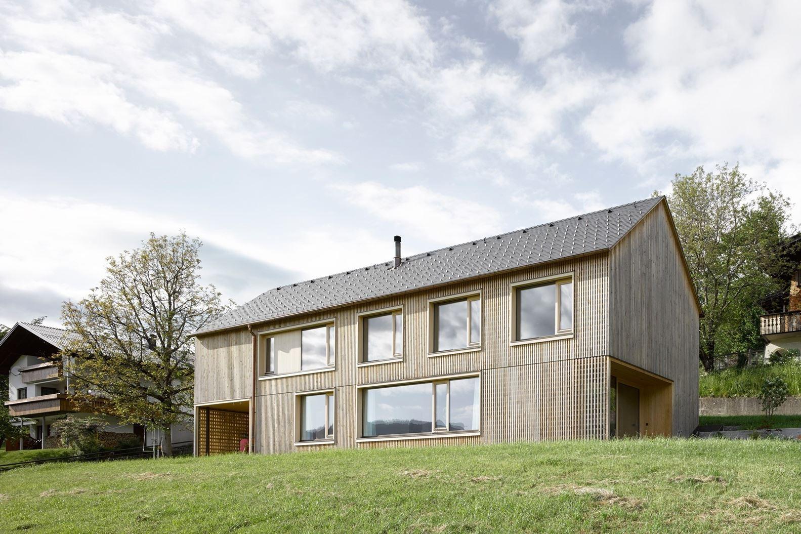 Case Di Montagna Esterni: Chatillon casa di montagna oasi verde ...