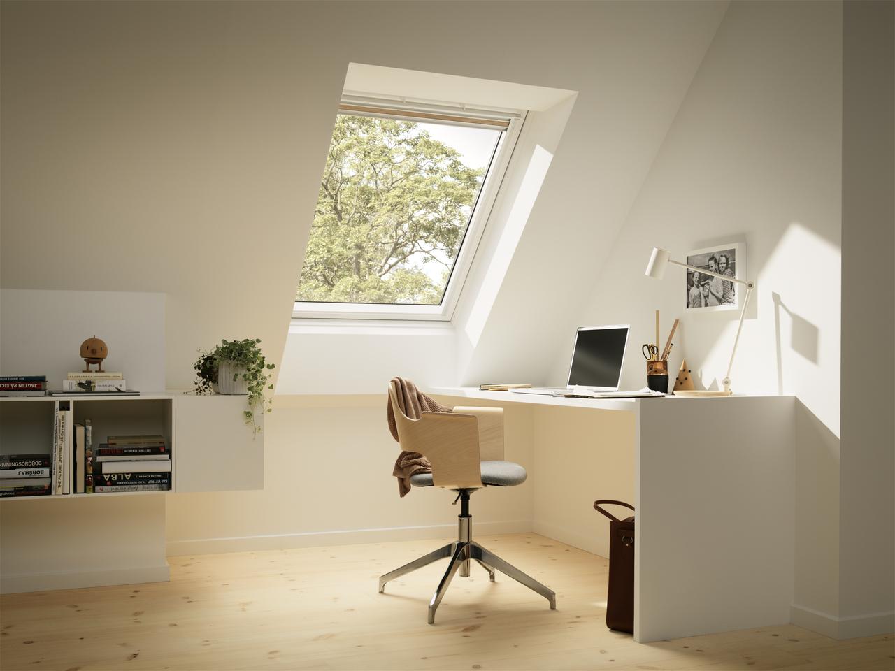8 modi per ottenere un angolo ufficio in mansarda