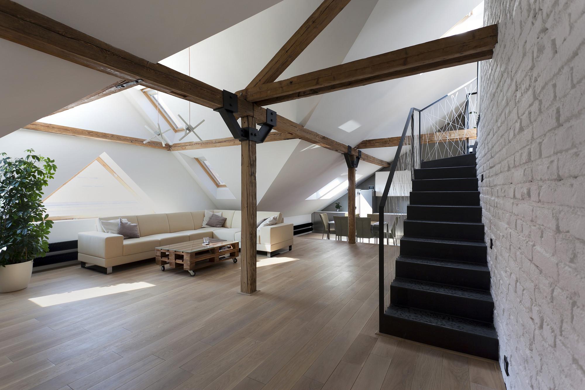 portada_Attic_Loft_Reconstruction_-_3-_living_room