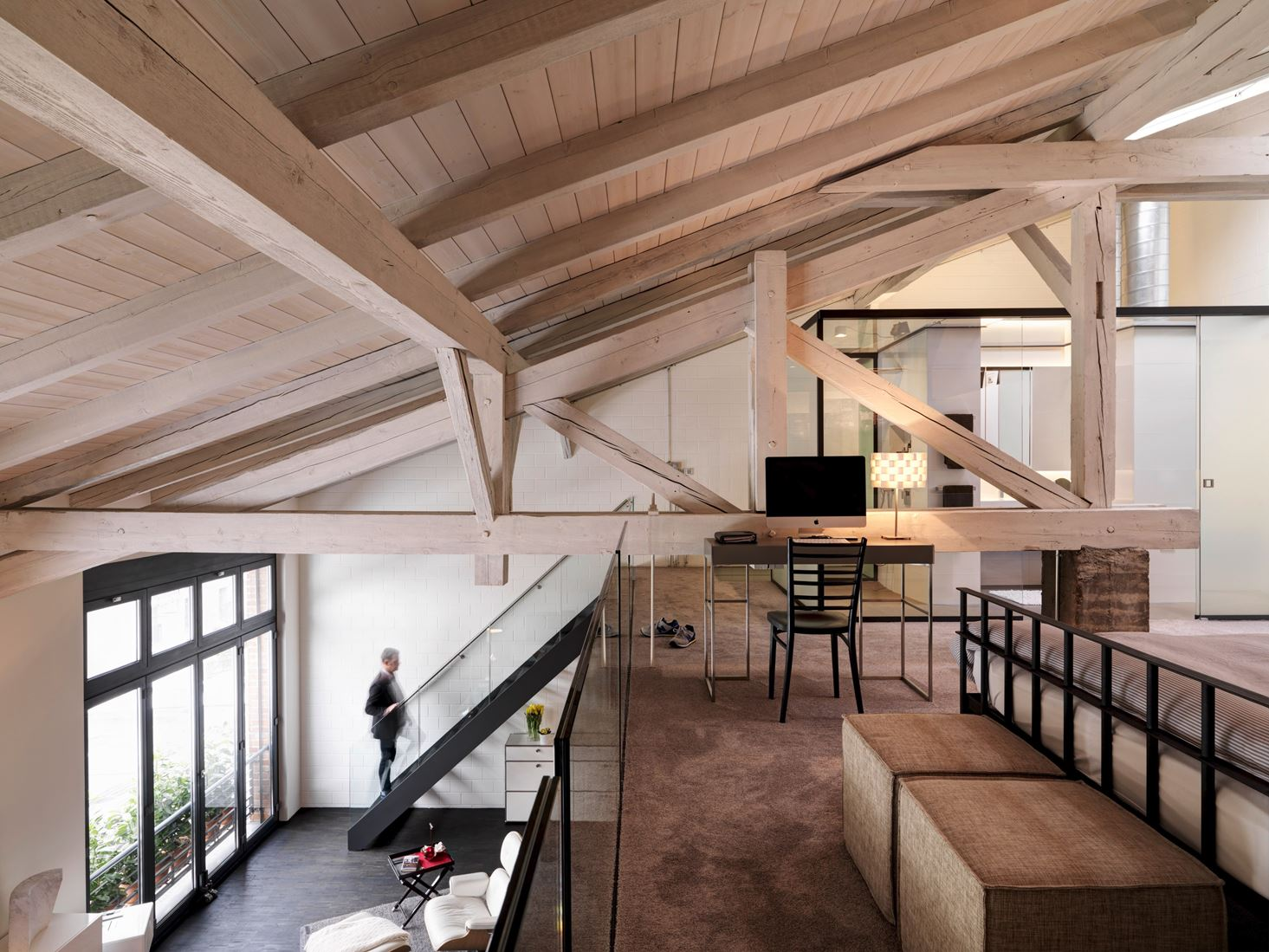 Top Un loft con un suggestivo tetto in legno - Mansarda.it WF76