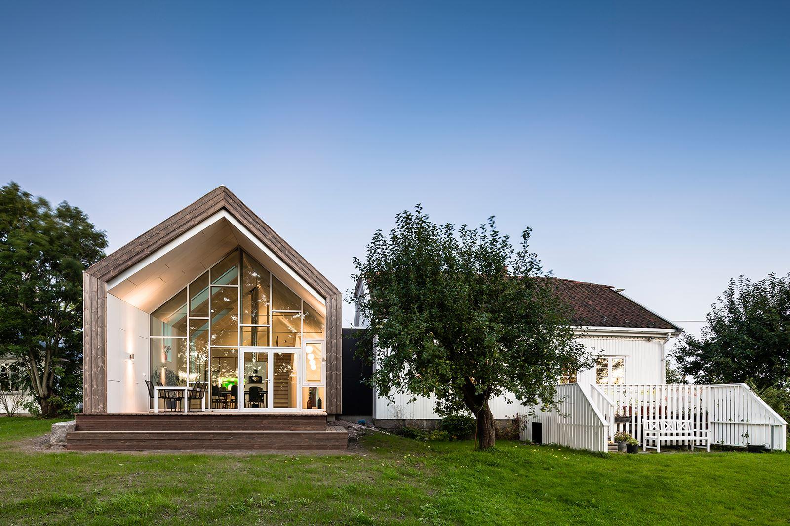 Una casa green con tetto a doppia falda mansarda