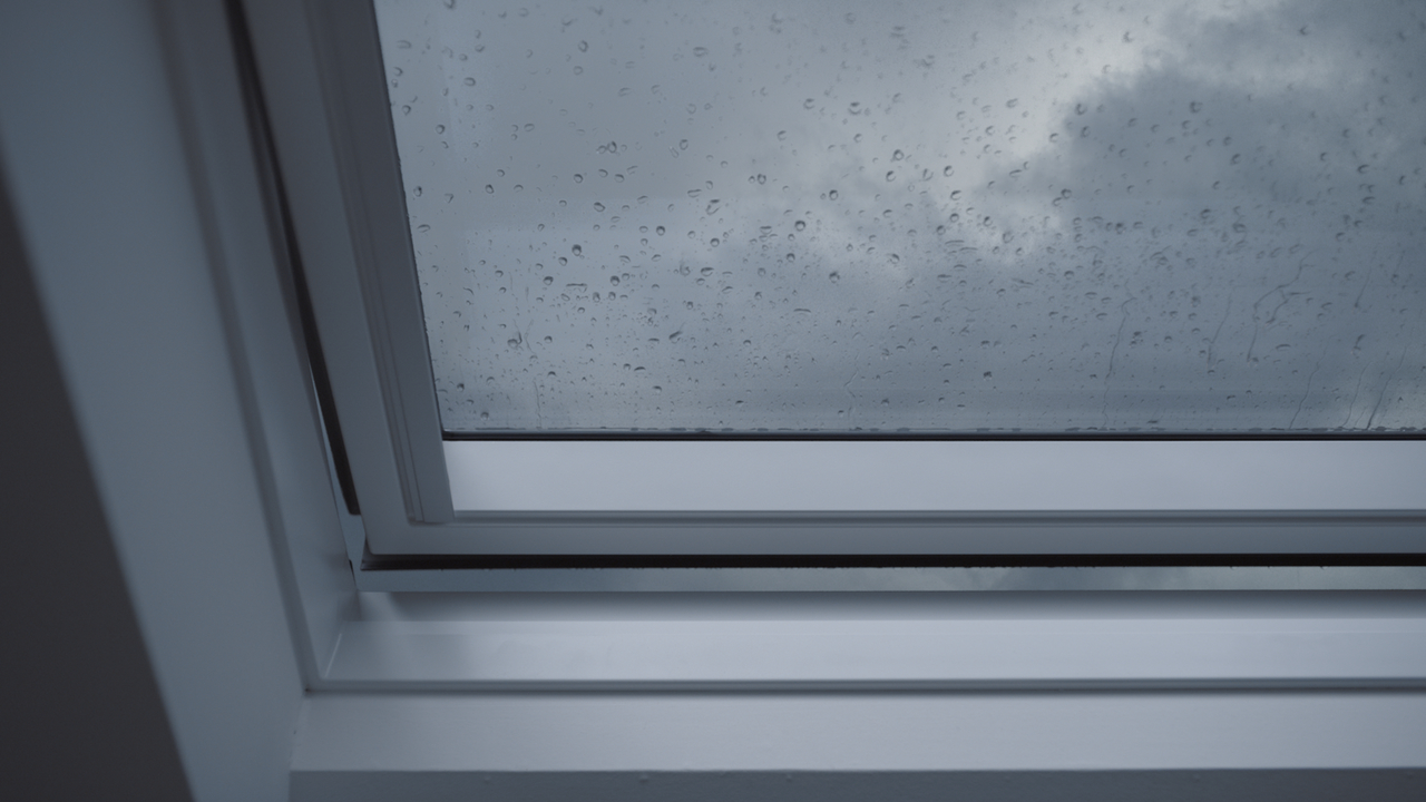 Pioggia - Quanto costa una finestra velux ...