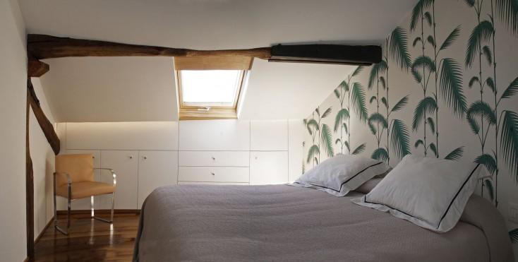 La riqualificazione di una piccola mansarda in spagna - Camera da letto in spagnolo ...