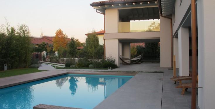 Una casa efficiente con vista sul lago for Disegni casa sul lago con vista sul lago