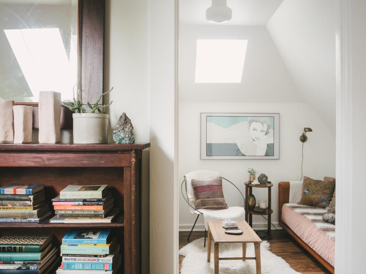 Come creare un angolo lettura in mansarda - Come fare un soppalco in casa ...