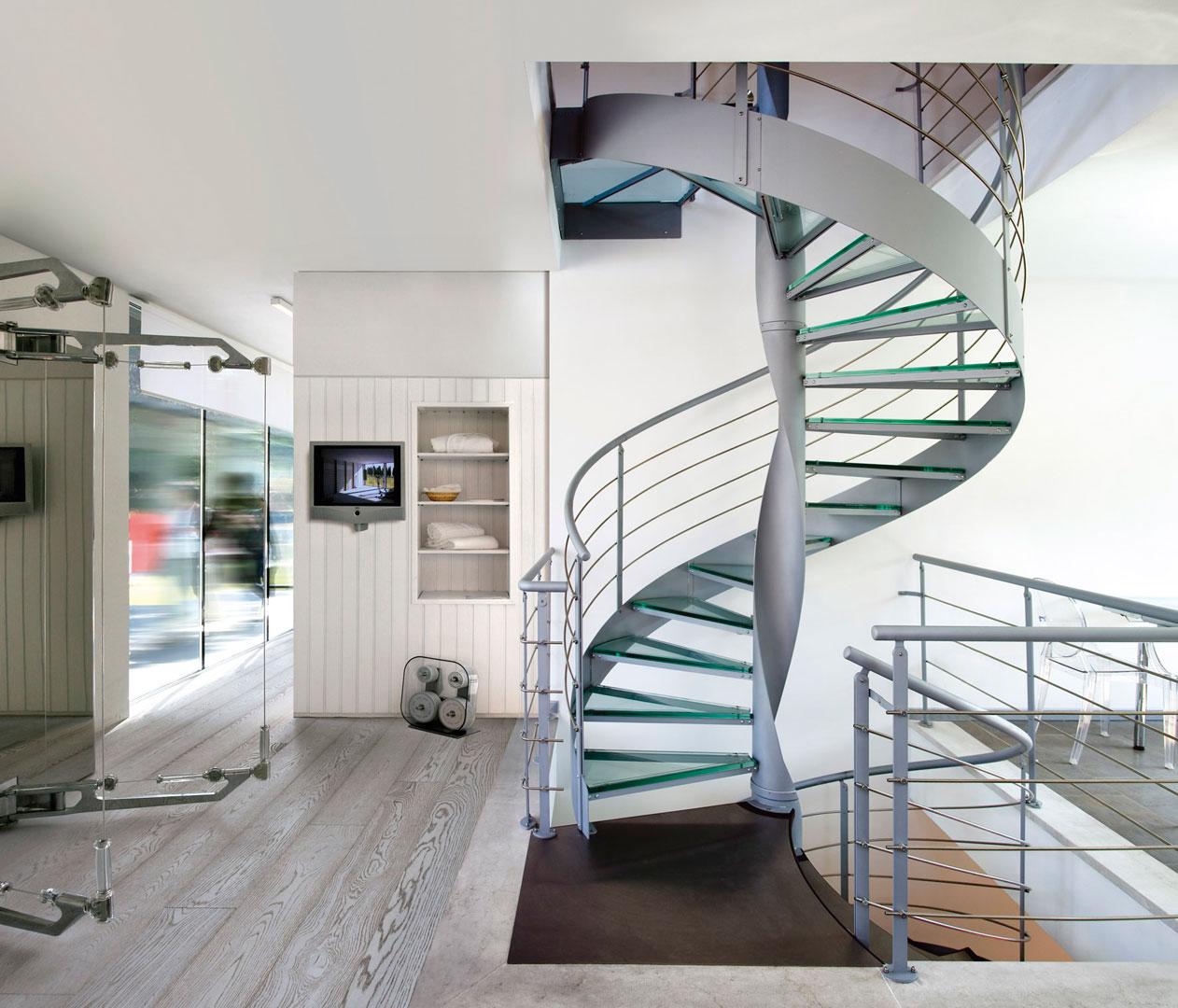 Scale per mansarda ferro e legno dal design moderno - Scale a chiocciola moderne ...