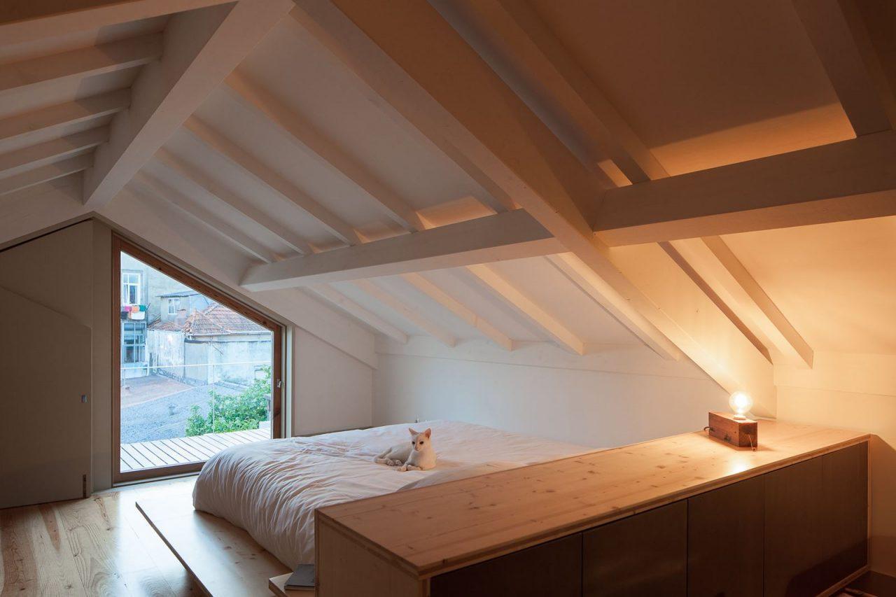 Come ricavare una camera da letto nel sottotetto for Camera da letto in mansarda