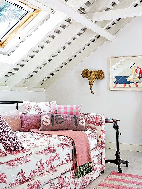 Una camera da letto per tre sorelle - Camera da letto mansarda ...