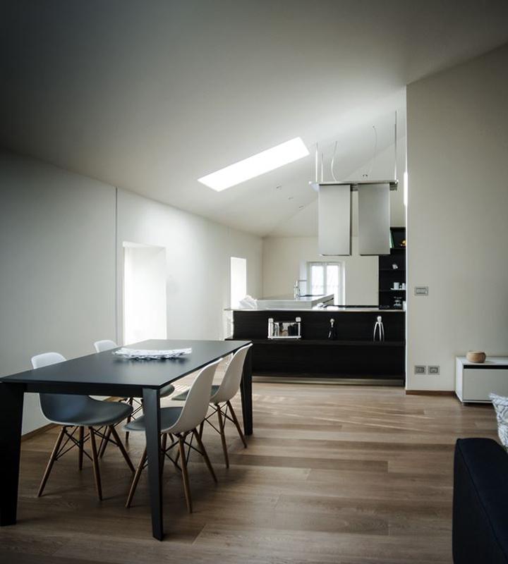 Una mansarda di stile a torino for Open space soggiorno cucina sala da pranzo