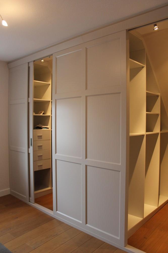 Cabina armadio mansarda idee di design per la casa - Armadi per mansarda ikea ...