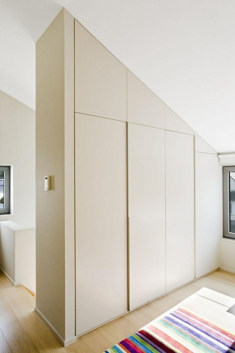 armadio. Black Bedroom Furniture Sets. Home Design Ideas