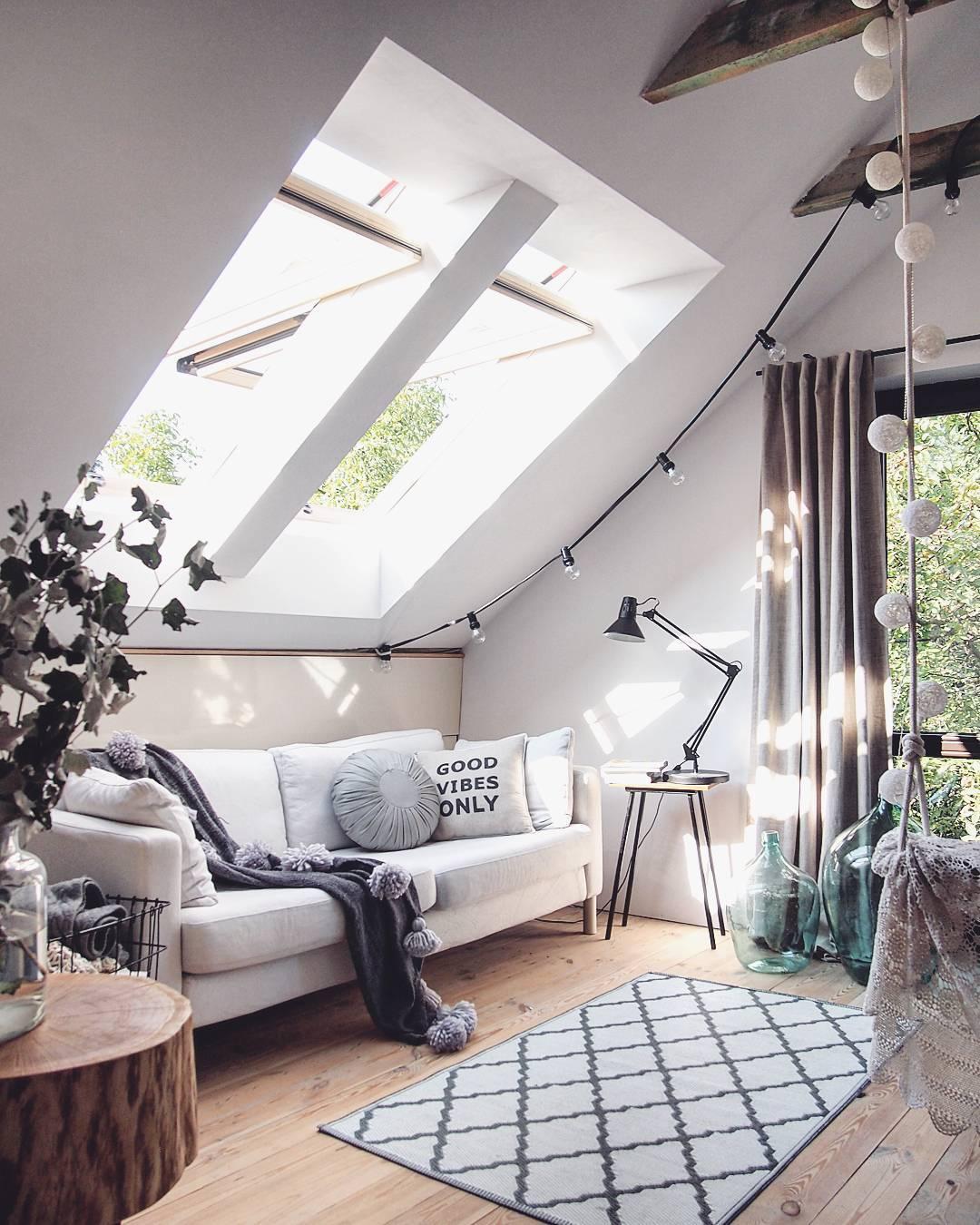 Idee per arredare il soggiorno in modo elegante ed for Design economico