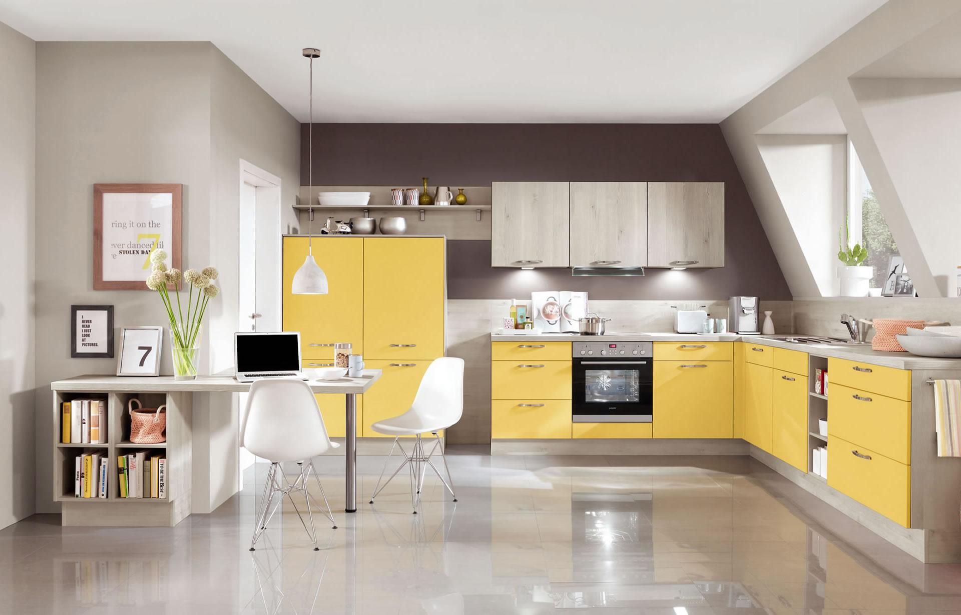 Cucina gialla for Areazione cucina