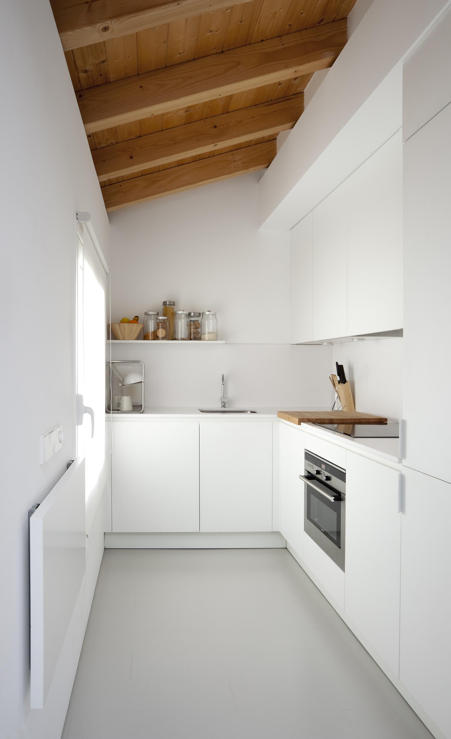Vivere e lavorare in 40 metri quadrati - Lavorare in cucina ...
