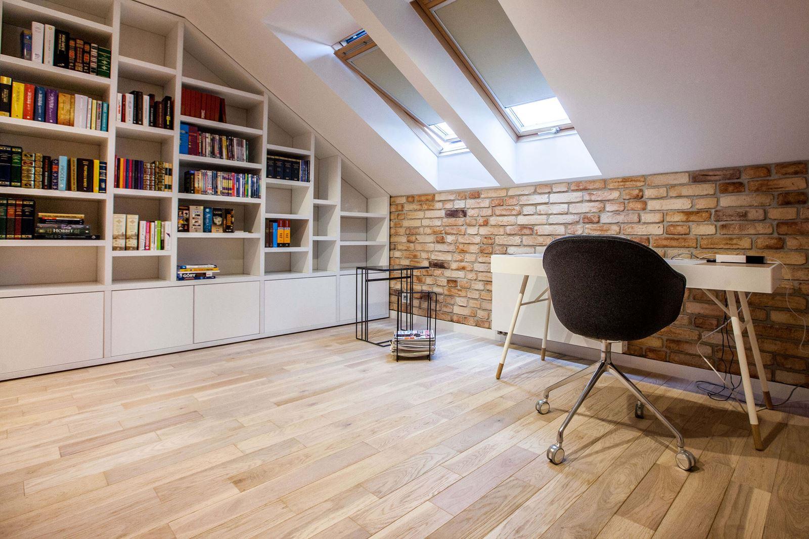 Libreria Design Camera Da Letto una villa con camera da letto in mansarda - mansarda.it