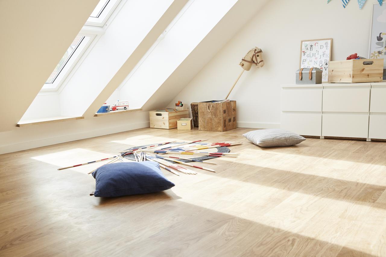I passi fondamentali per trasformare un sottotetto in una for Faelux srl finestra per tetti