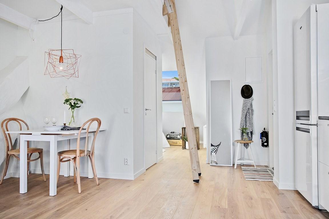Vivere in tre in una piccola mansarda - Si puo abitare una casa senza agibilita ...