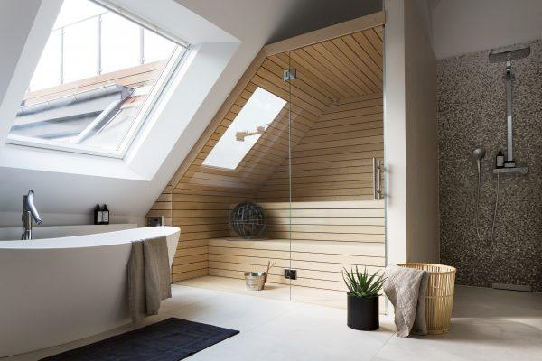 Un bagno nel sottotetto