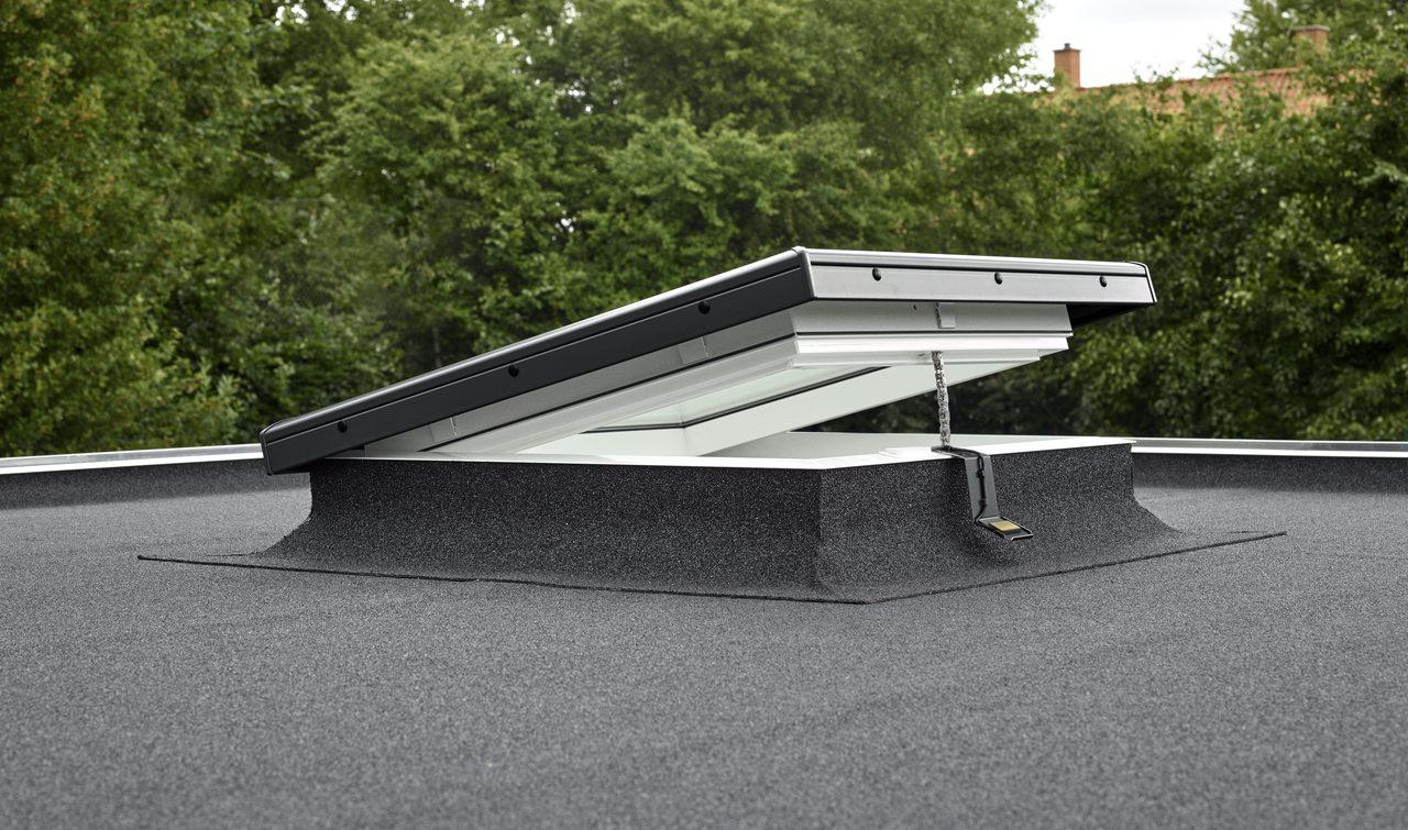 Lucernario per tetto piano for Lucernario mansarda