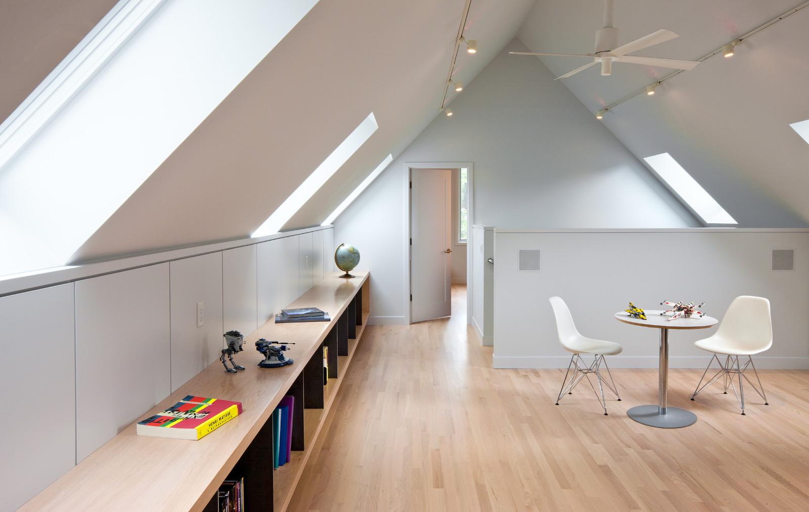 Illuminazione di un sottotetto home design e ispirazione - Illuminazione sottotetto legno ...