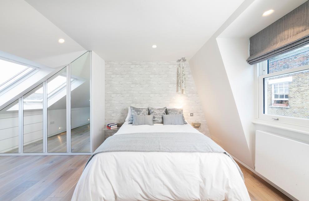 Come trasformare un sottotetto in una camera da letto - Cornici per camere da letto ...