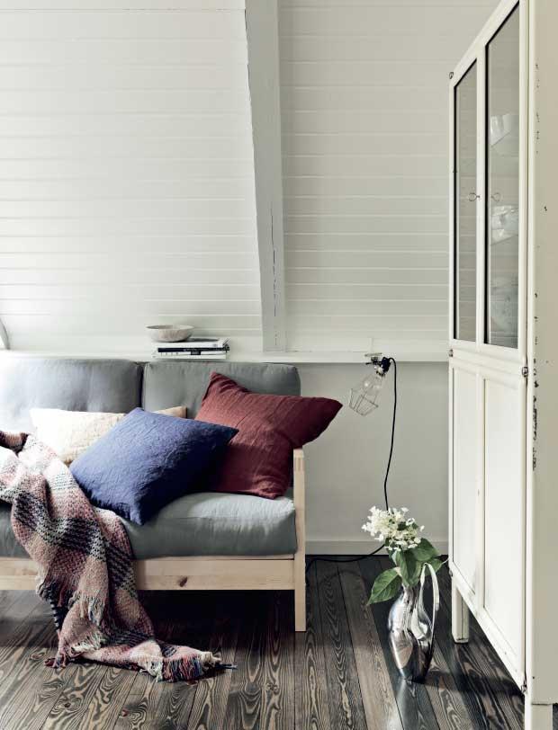 Un cottage mansardato per il relax for Planimetrie cottage con soppalco
