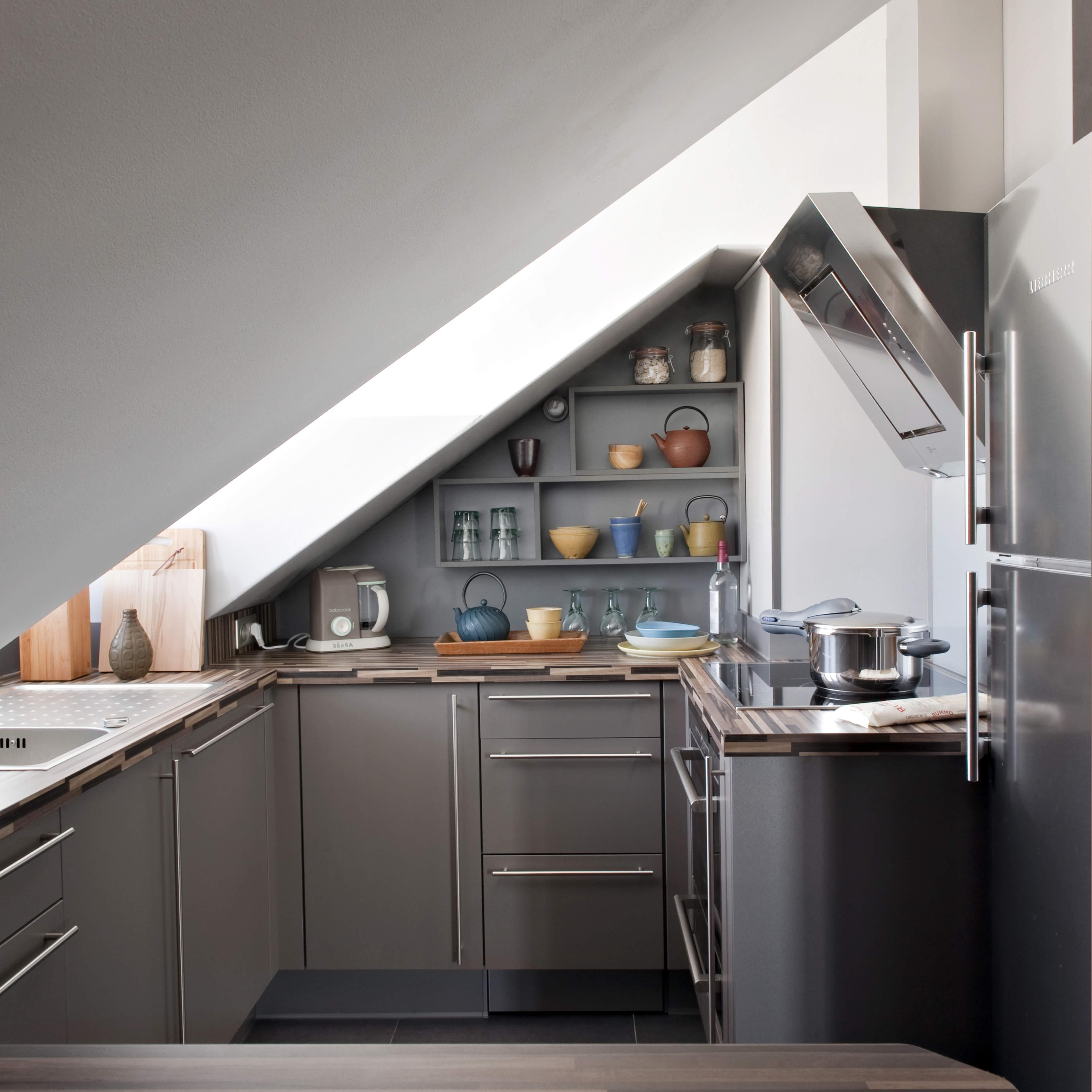 come rinnovare una vecchia cucina. Black Bedroom Furniture Sets. Home Design Ideas