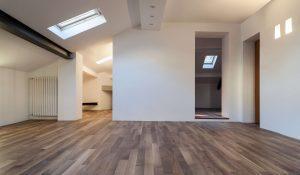 Guida alla conversione di un sottotetto for Velux tetto in legno
