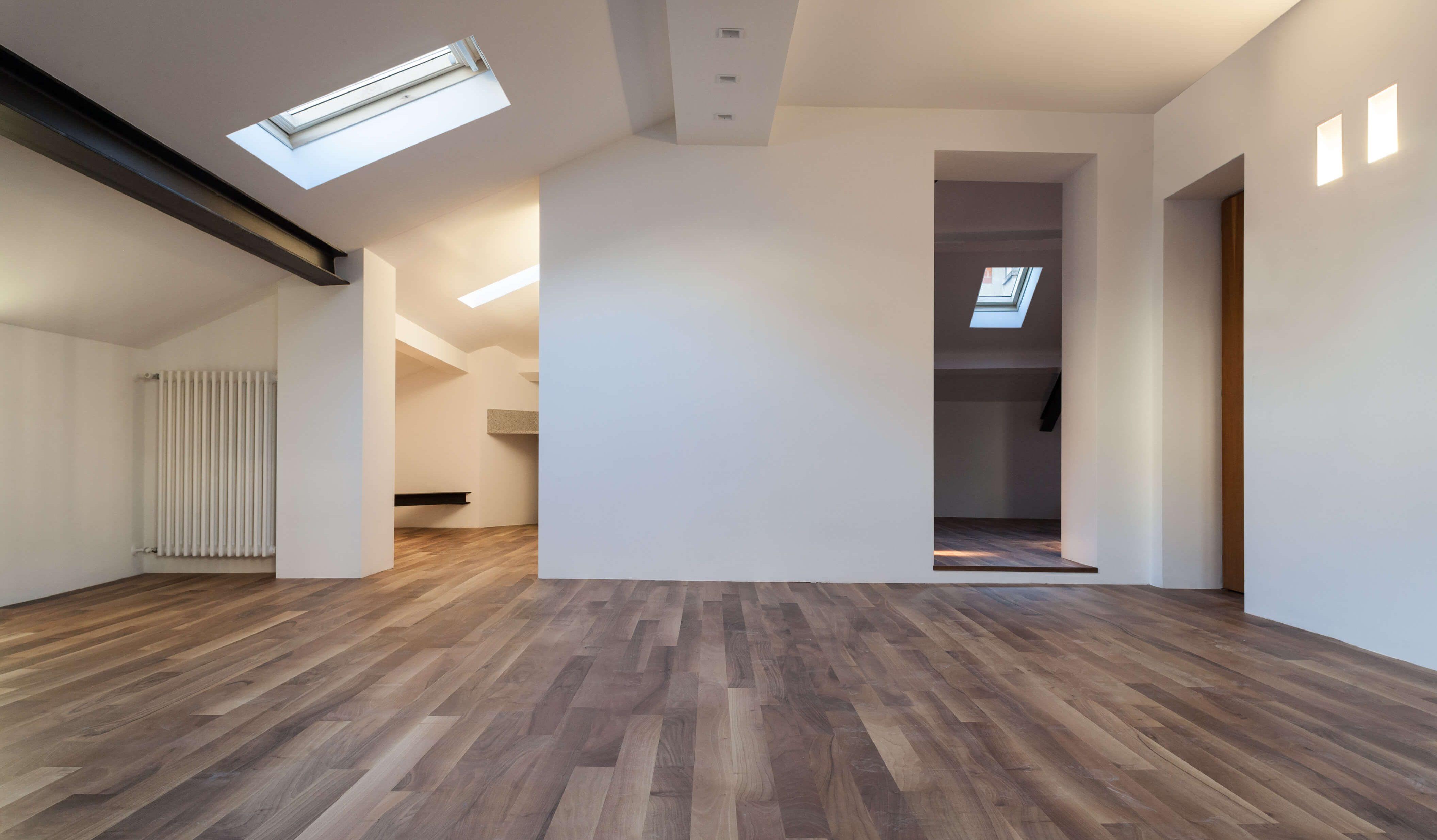 Da sottotetto a mansarda trasformare la soffitta for Arredamento per sottotetto