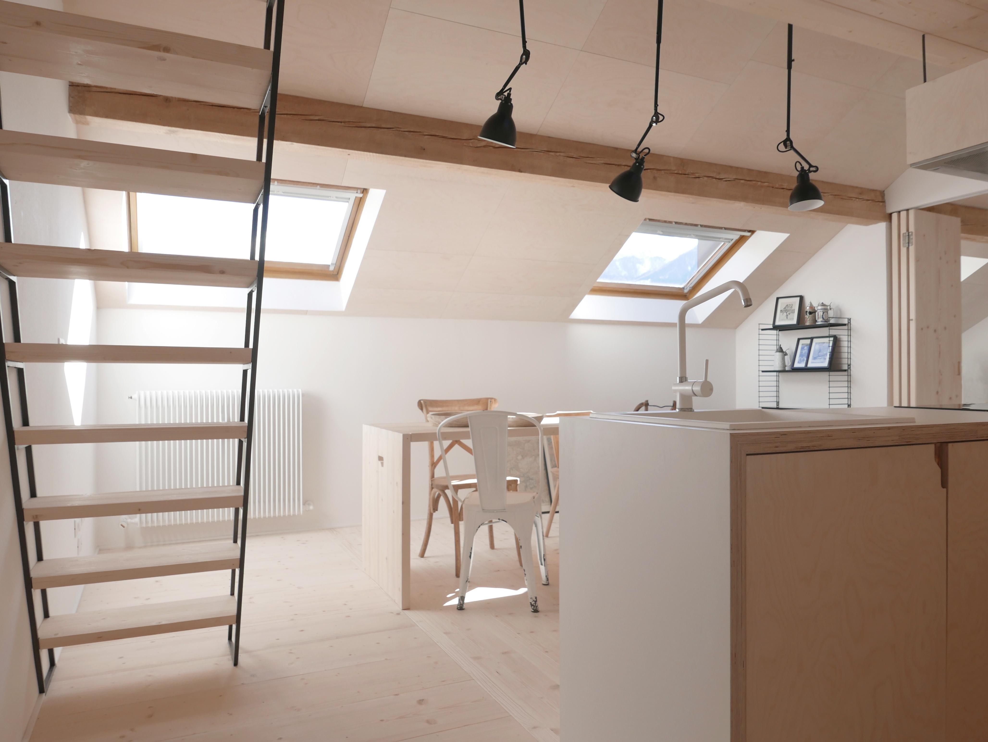 Come Dividere Sala E Cucina idee per dividere gli spazi di una mansarda - mansarda.it